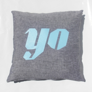 LornaLove cushion : Yo