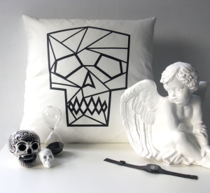Black-skull-cushion-styling-WEB